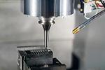 EVと工作機械について|「微細加工機」について解説