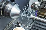 金属加工と絞り加工について|スピニング加工(へら絞り)