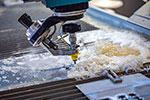 金属加工とシャーリングマシンについて|ウォータジェット加工機について