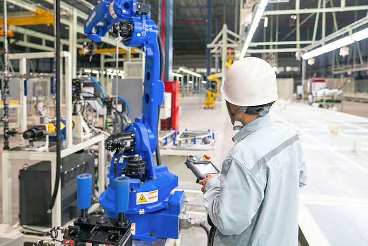 産業用ロボットとは|産業用ロボットの種類と工作機械での活用事例