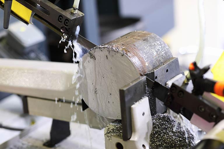 のこ引き(鋸引き)とは|のこ盤(鋸盤)の種類と、バンドソー・コンターマシンを解説